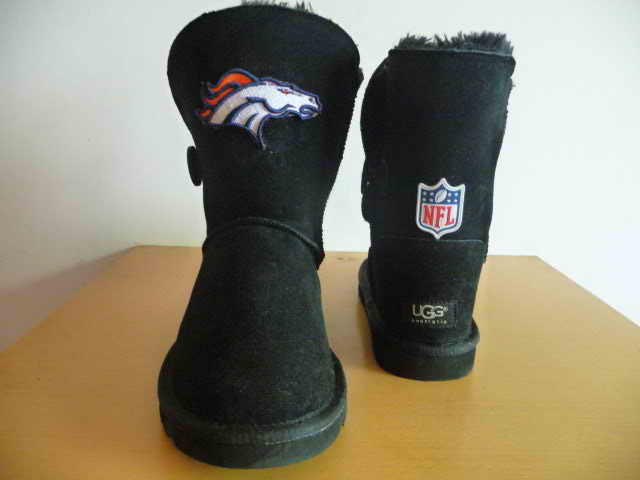 UGG WOMEN NFL Denver Broncos 3