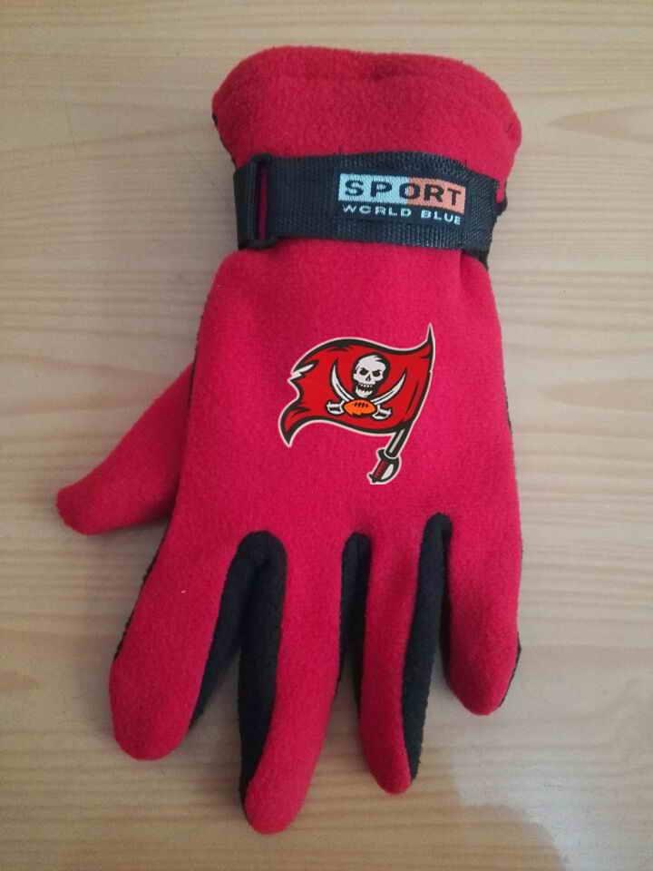 Buccaneers Winter Velvet Warm Sports Gloves3