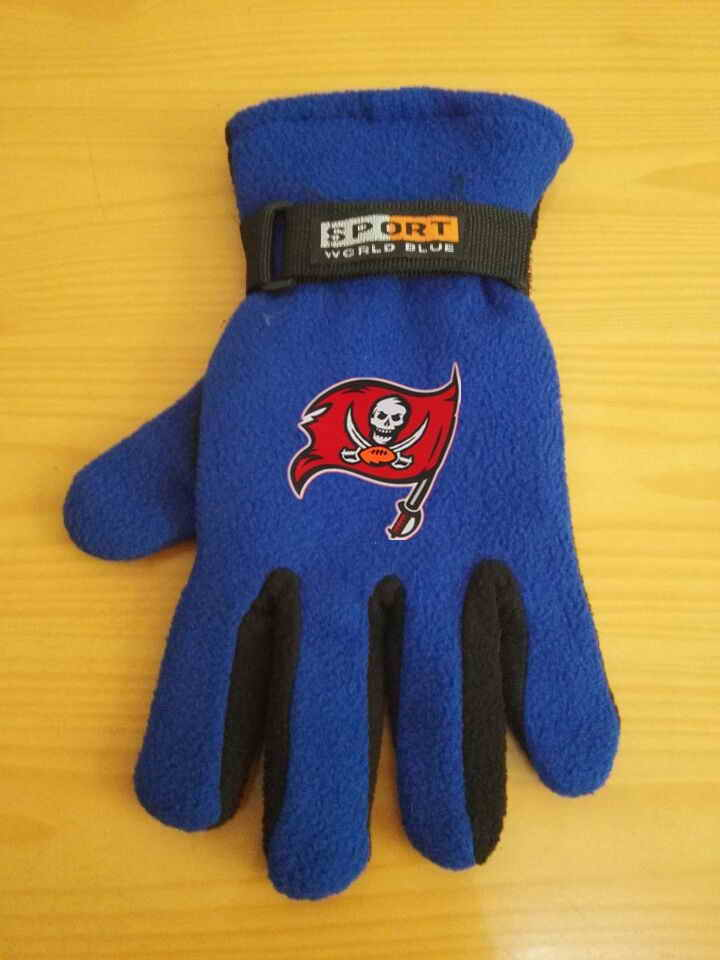 Buccaneers Winter Velvet Warm Sports Gloves2