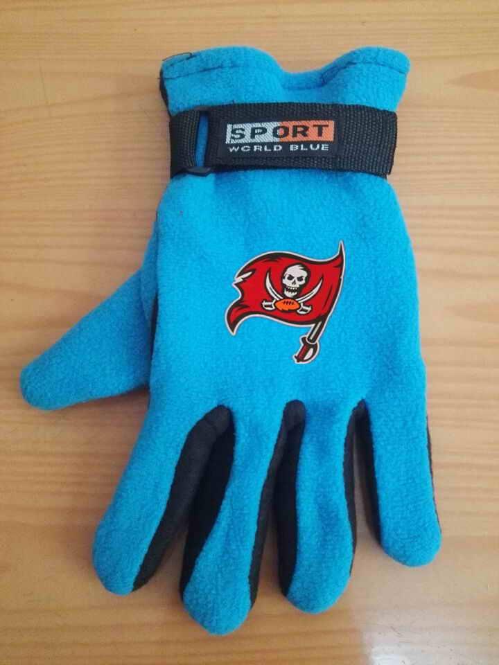 Buccaneers Winter Velvet Warm Sports Gloves6