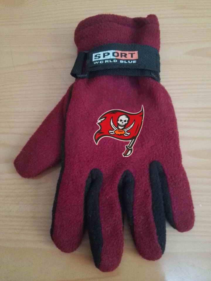 Buccaneers Winter Velvet Warm Sports Gloves8