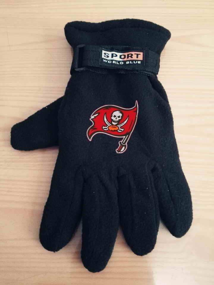 Buccaneers Winter Velvet Warm Sports Gloves7